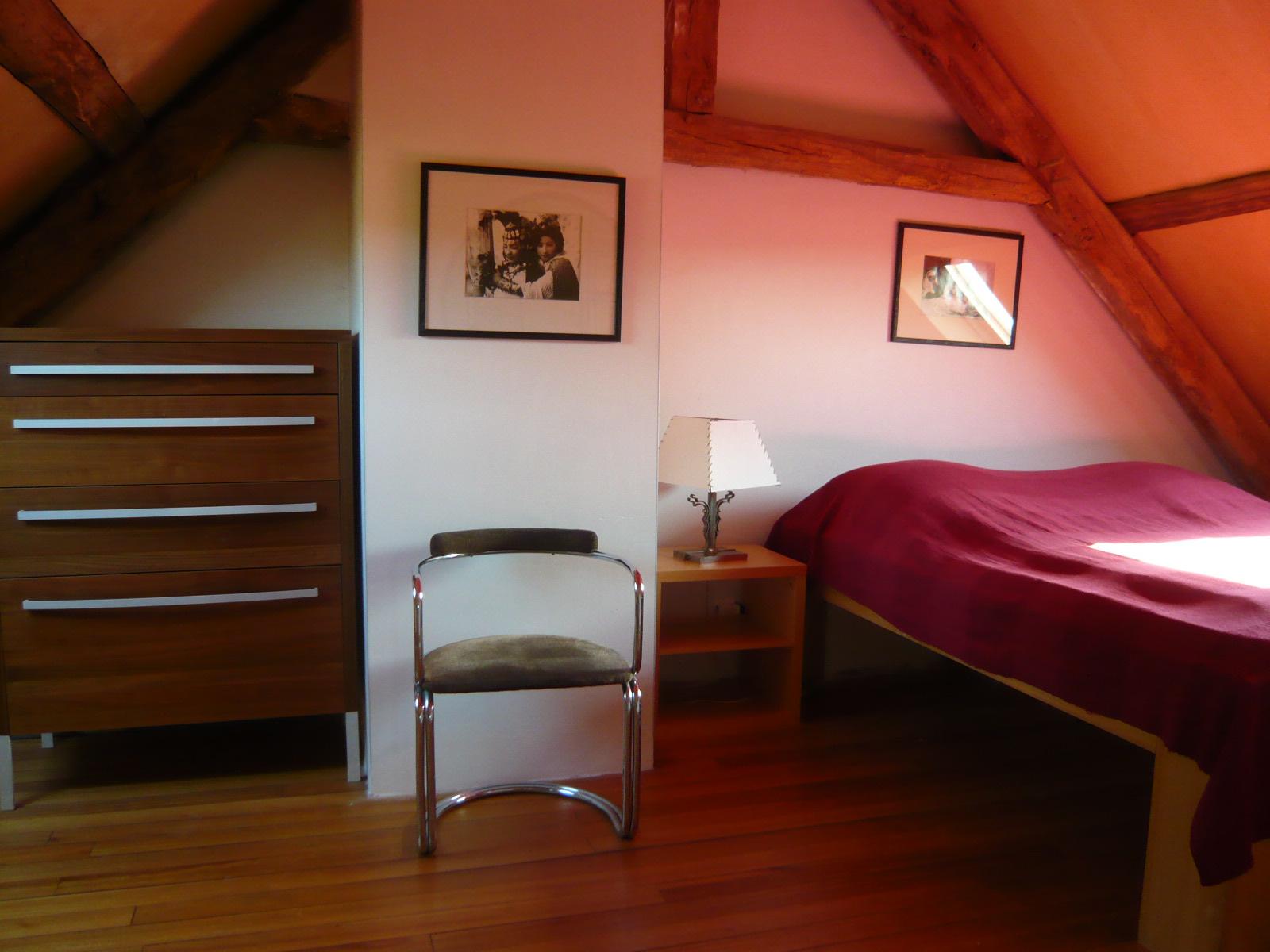 Chambre lit double 2ème étage