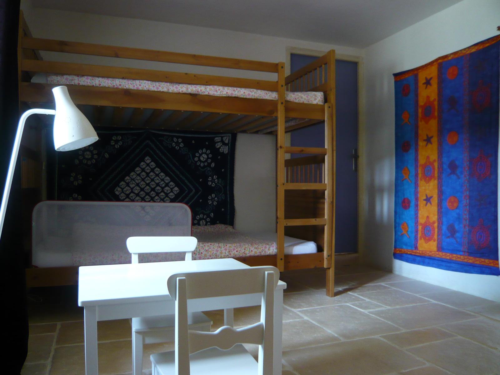 Chambre 2 lits superposés rez-de-jardin
